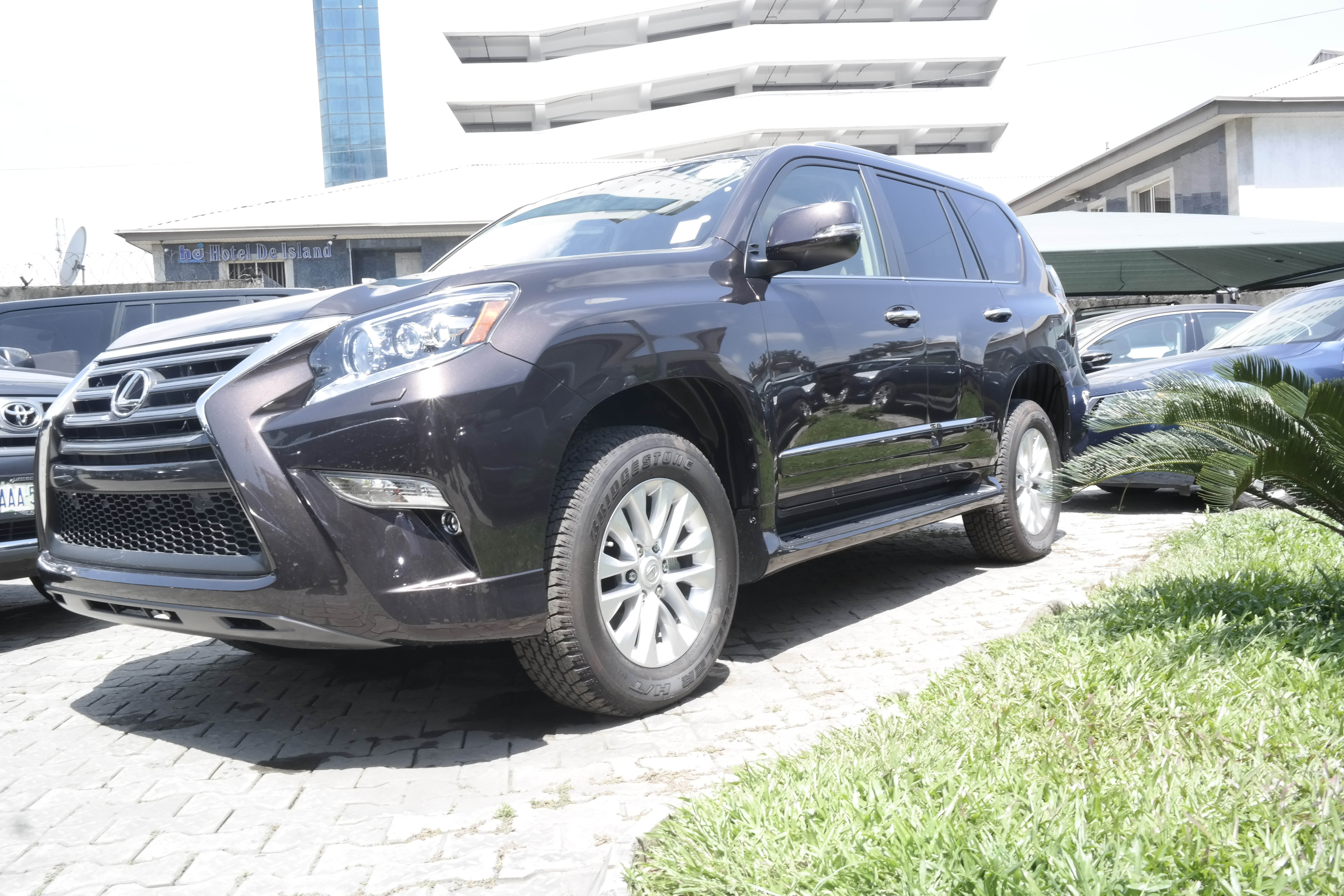 pearl large composite starfire groovecar research suv lexus awd gx